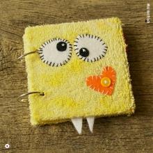 miss-herzfrischs-okidoki-kuschelmonster-fotoalbum-gelb