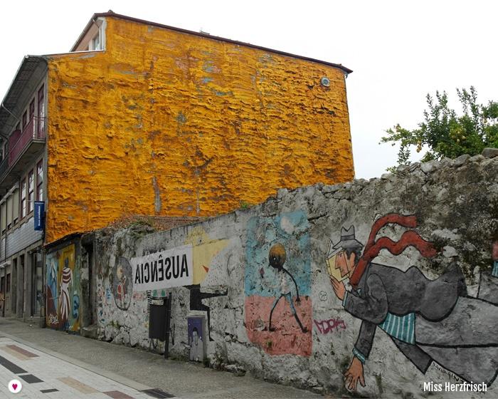 Miss Herzfrischs Porto Streetart Rua Miguel Bombarda und Umgebung