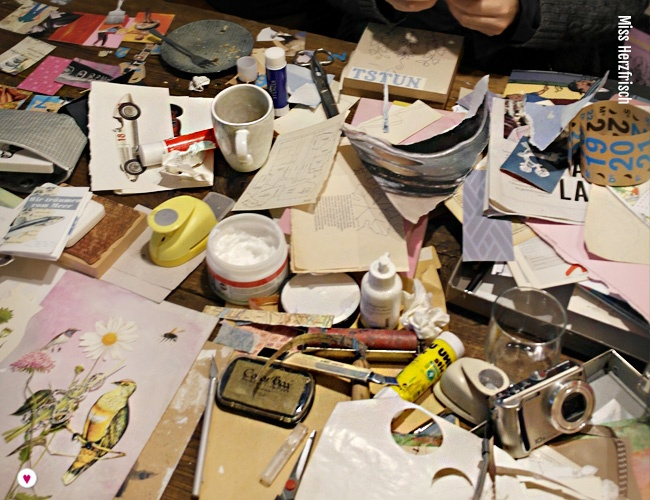 Miss Herzfrisch beim Collagetreffen in Köln in der kleinen Fabrik - kreatives Chaos