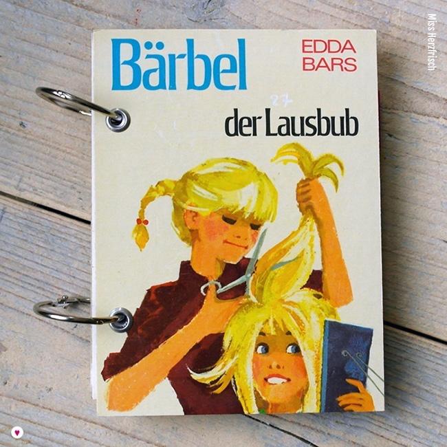 Miss Herzfrischs Vergissmeinnicht Retro Notizbuch Bärbel der Lausbub von Edda Bars