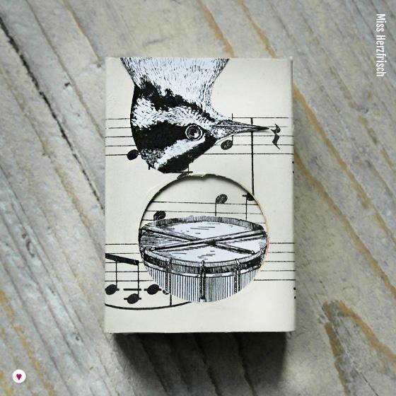 Miss Herzfrischs Matchbox Adventskalender Challenge Nr. 8 Musik Schachtel