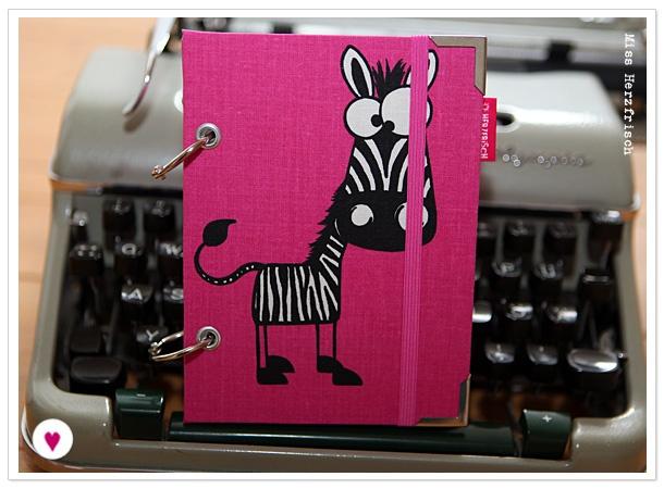 Miss Herzfrisch Think pink Zebra Kalender 2013